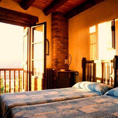 Habitación doble con vistas al Pirineo y baño propio