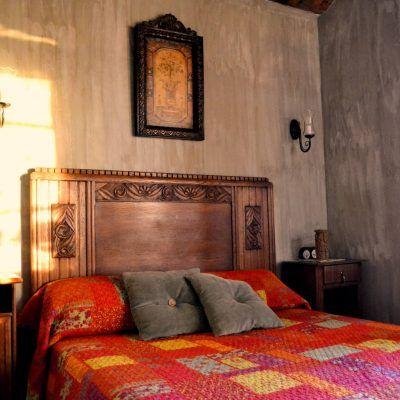 Habitación con cama de matrimonio, preciosas vistas al Pirineo y baño propio